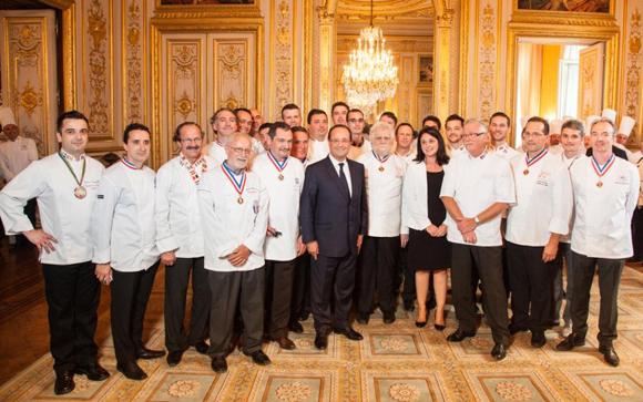 Les Champions du Monde de la pâtisserie accueillis à l'Elysée
