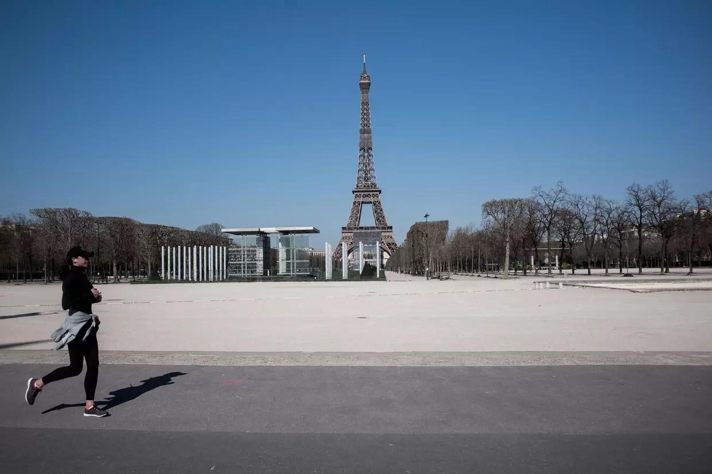 Coronavirus Paris. Face aux incivilités, Anne Hidalgo durcit les mesures de confinement